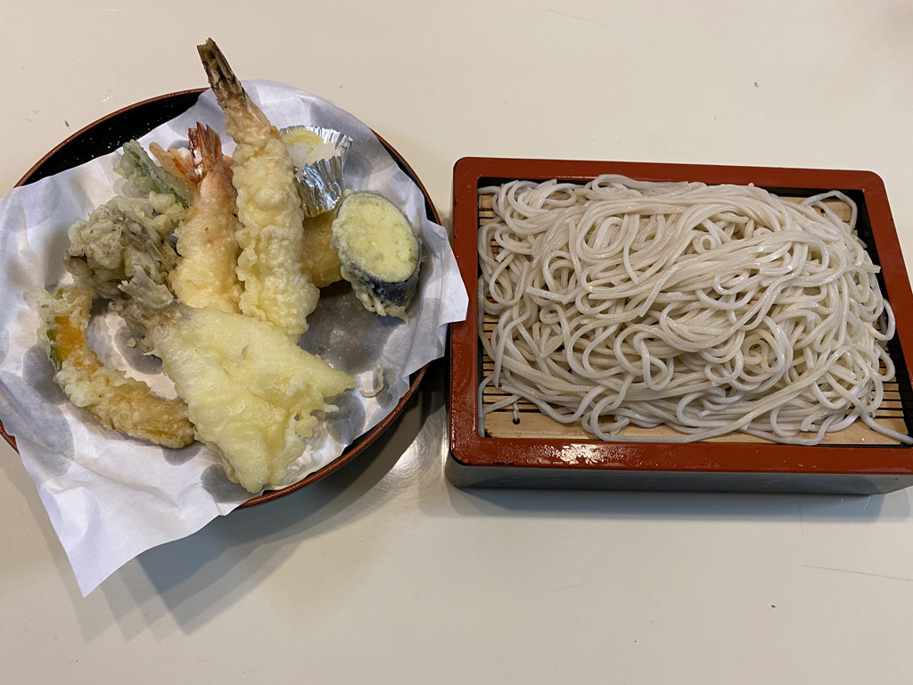 天ぷら盛り合わせともりそば
