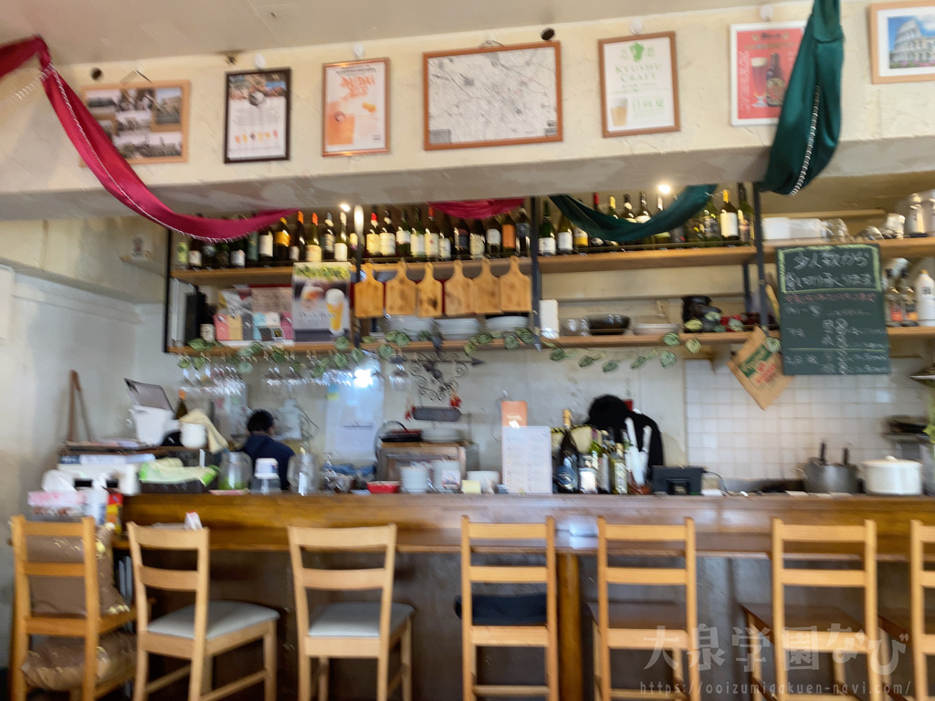 コルノビアンコ 厨房とカウンター